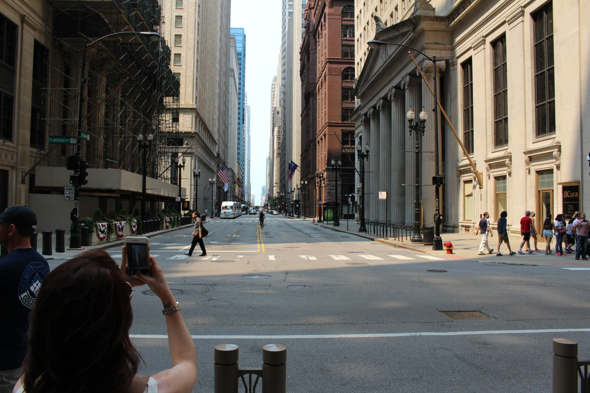 The great thing about Chicago is the lack of hills, and mountains. There aren't a lot of streets like this in Baltimore. I also thought this may have been where they filmed the street scenes in The Untouchables... I might be a block off...