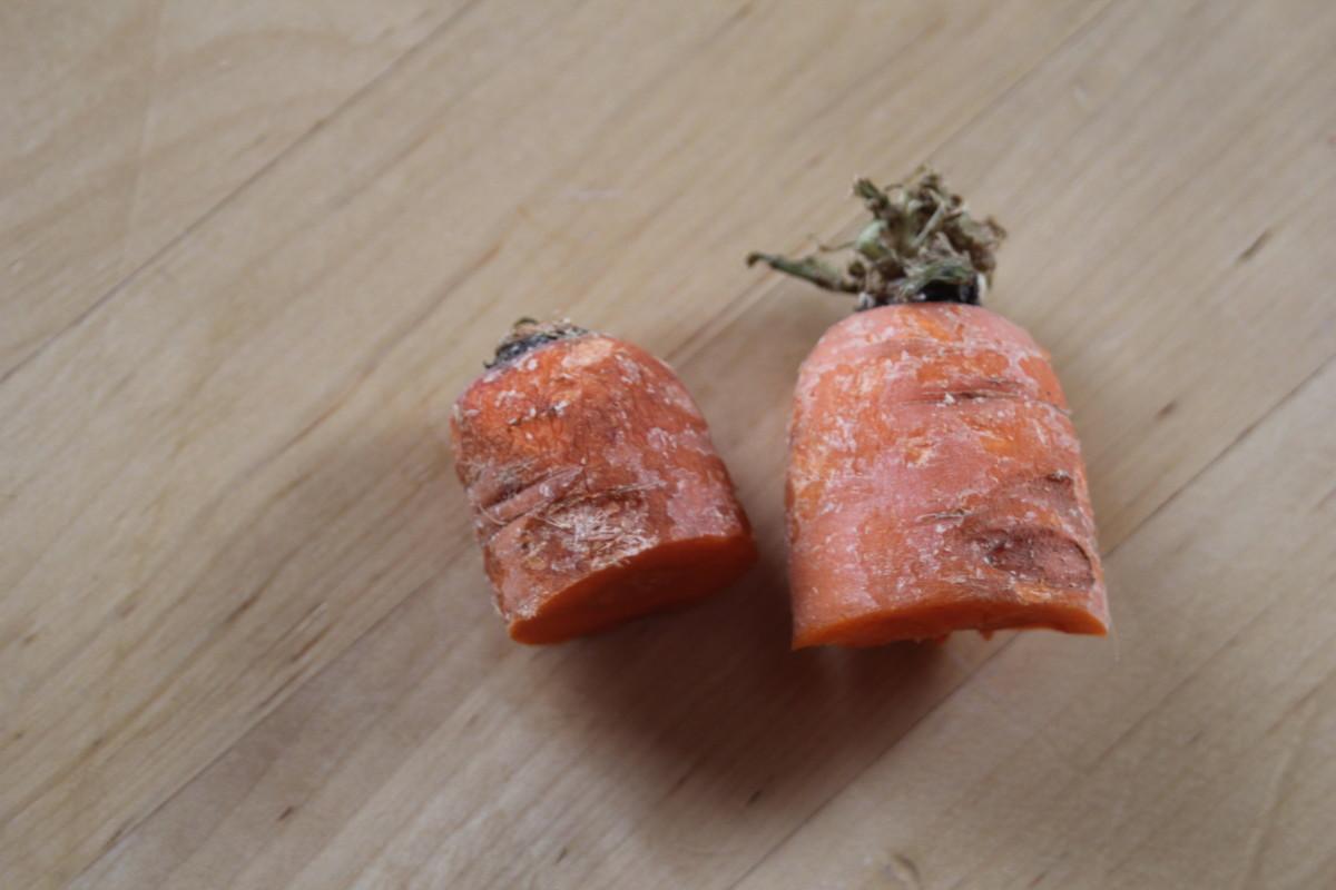 Carrot tops to regrow