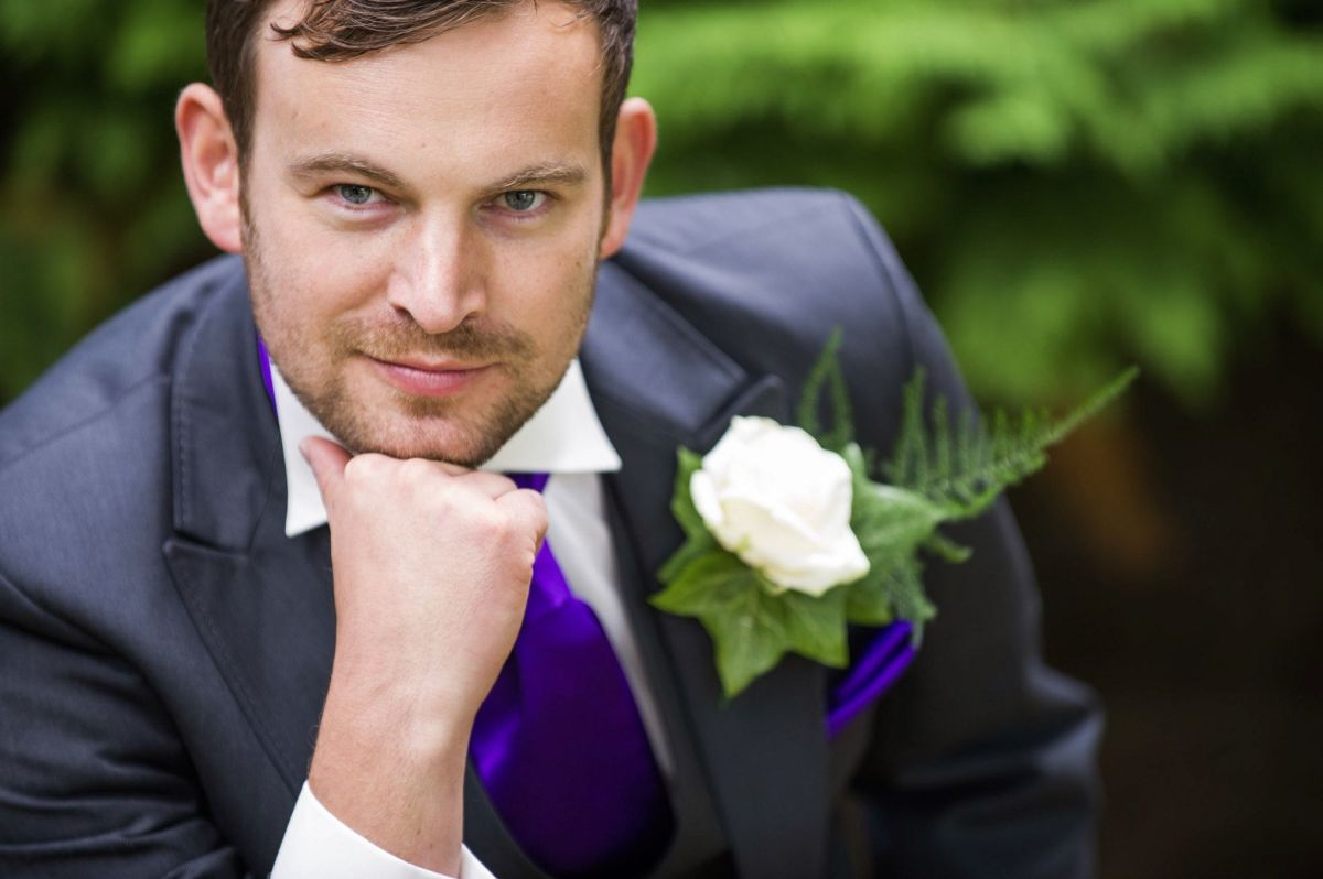 This sample of a smart alec groom is why most brides are left lonely and depressed.