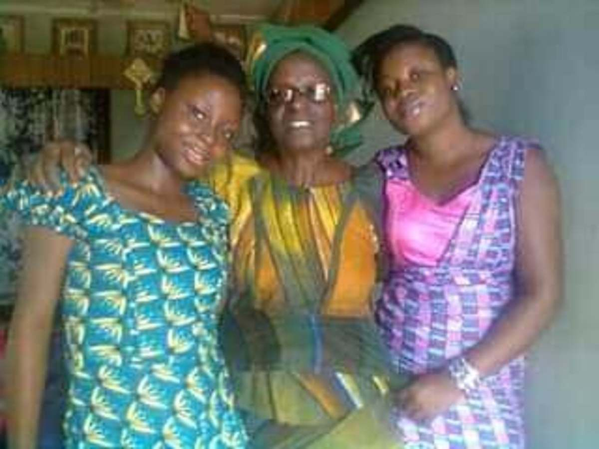 Deaconess Felicia on her left is Ifeoluwa (last Born) and on her right is grand-daughter (Iyanu) In the early 2010s