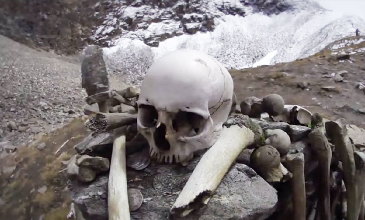 How did more than 800 people die in Roopkund? Why did they, first of all, come to this desolate place?