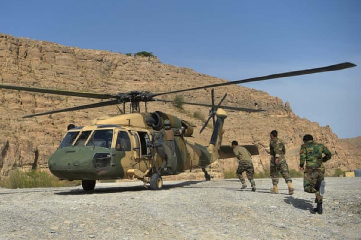 I believe that this is an Afghanistan helicopter that the Afghan army could have used to stop the Taliban advancing during this war, but they did not fight at all the Taliban. I believe because their religious beliefs are the same. .