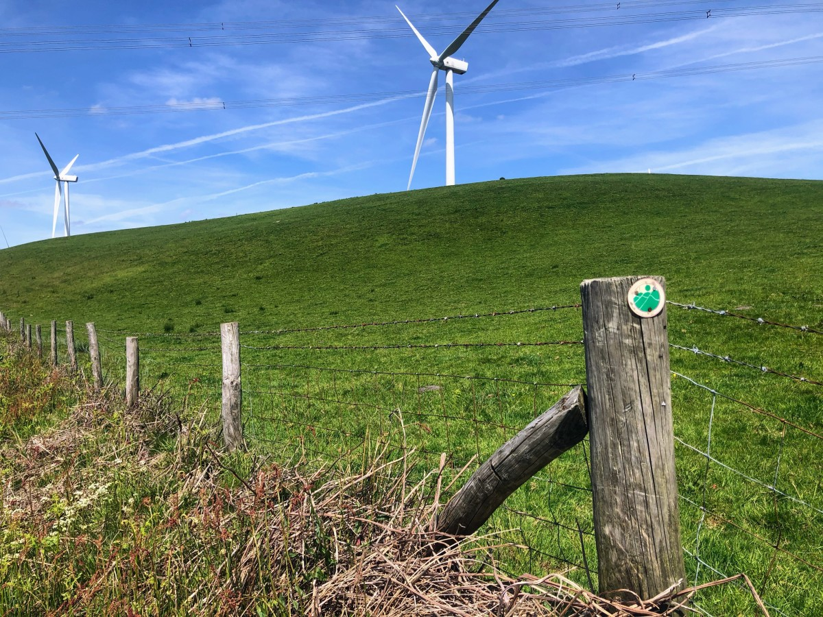 Following the Rhondda Cynon Taf Trail sign.