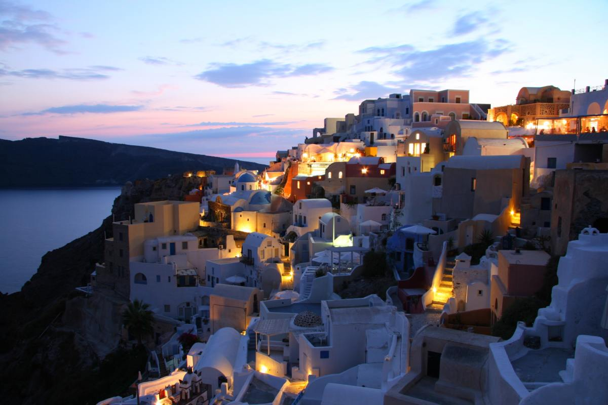 Santorini - a Breathtaking Place to Enjoy !