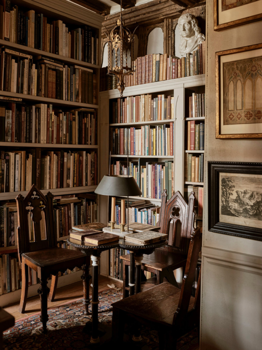 A quiet little place to read your book(s) in peace.