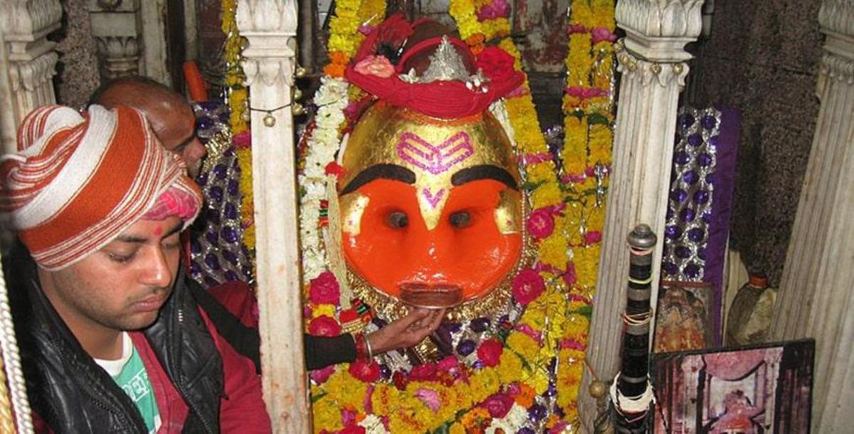 Kaal Bhairav Temple is one of the most famous Shiva temples in the Indian state of Madhya Pradesh. The temple has a unique custom of offering liquor to the deity.