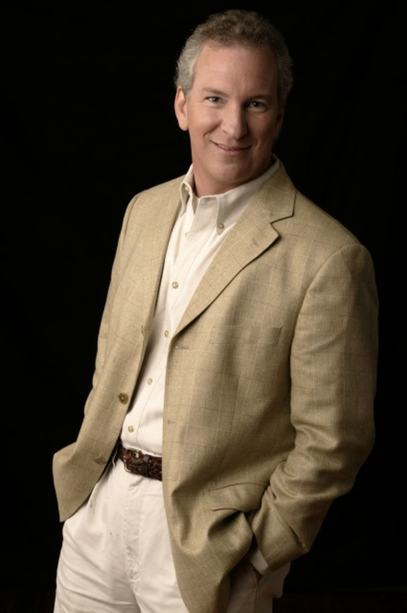 Expressions Today: interview with conservative talk radio host and film maker, Phil Valentine