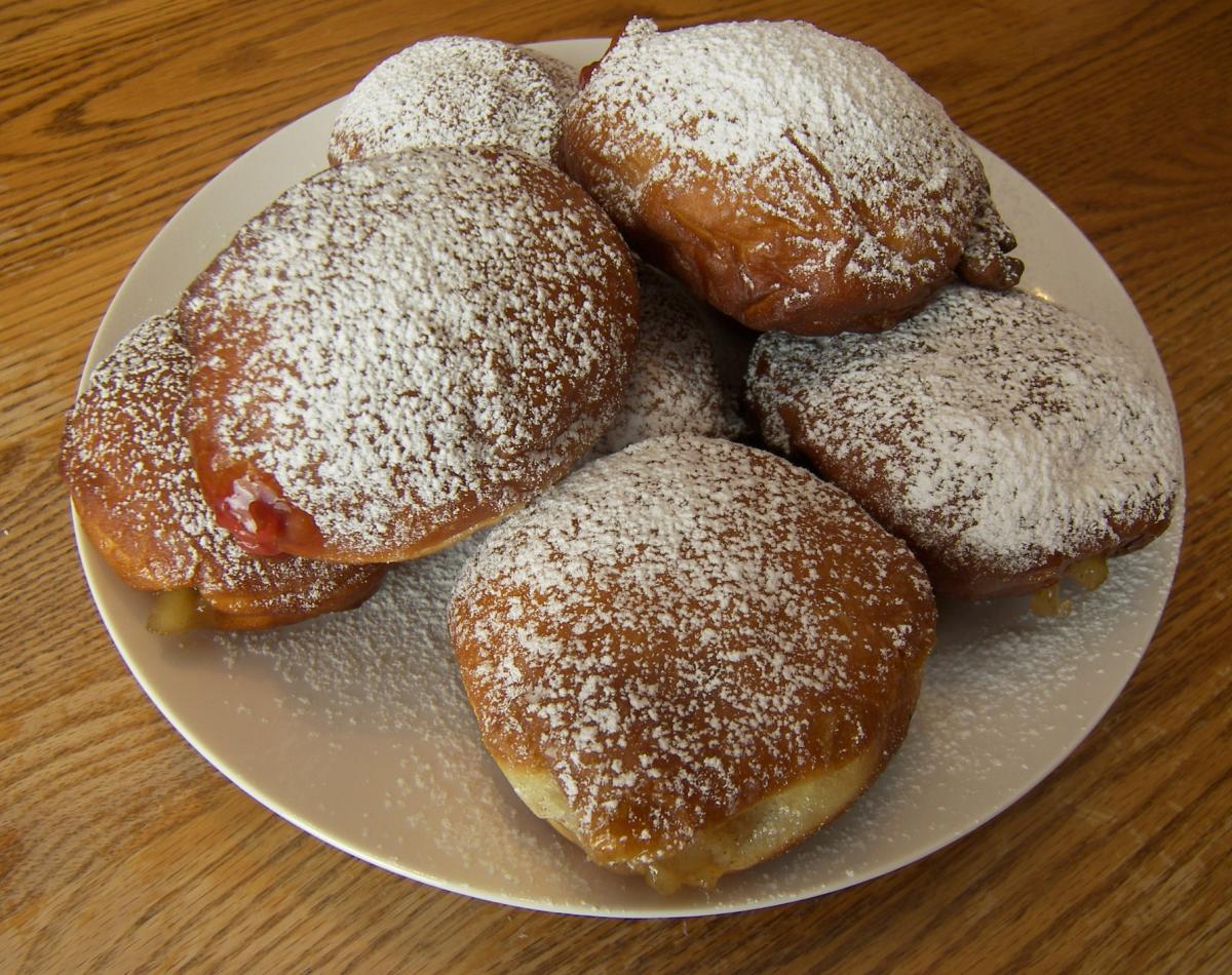 Polish Doughnuts or Paczki