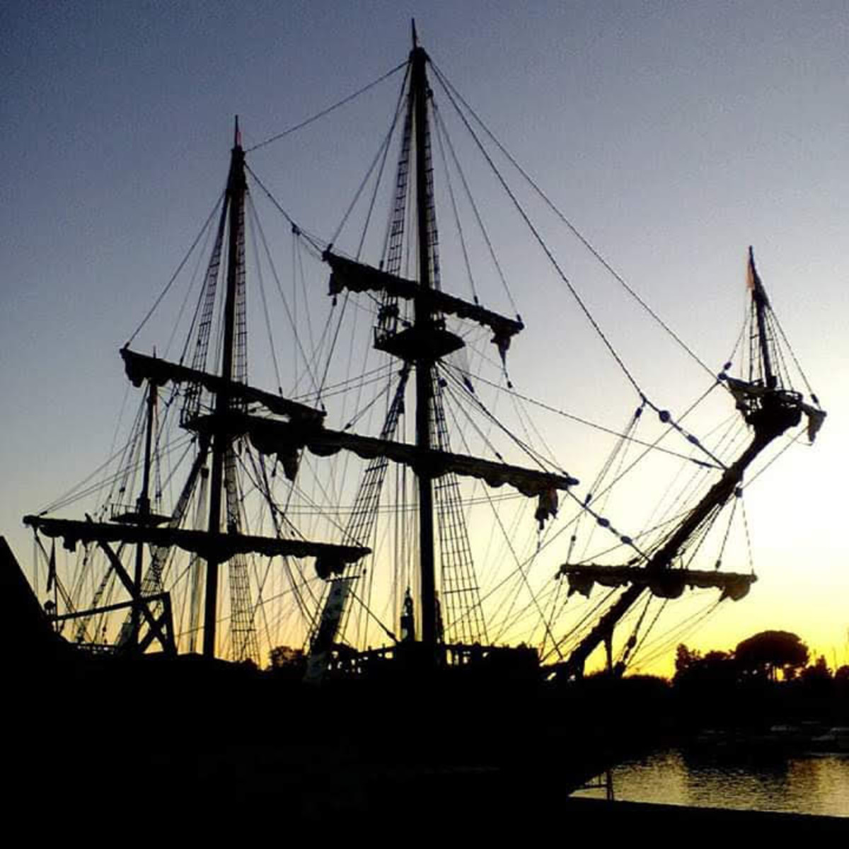 Replica of the portuguese boats that crossed the Atlantic ocean.
