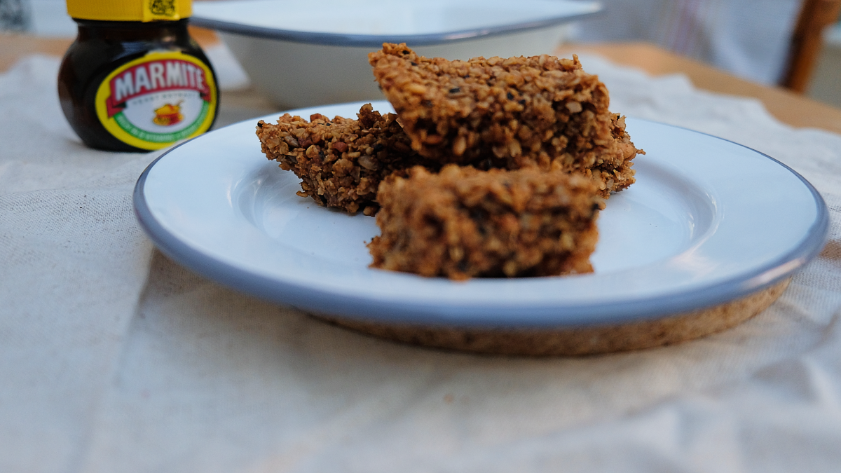 Easy vegan flapjacks are a high-protein snack