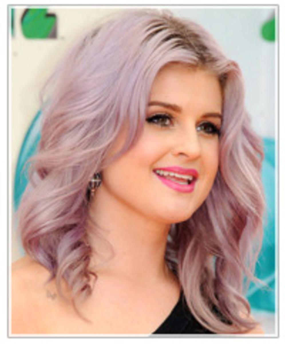 Kelly Osbourne with light purple hair. Easter egg purple hair.