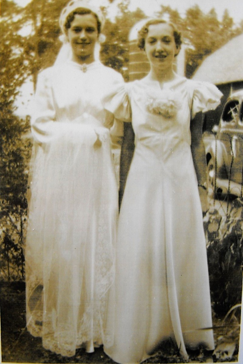 Gaylord MN. rental farm. Lorinda at age 14 with her sister Ruth.