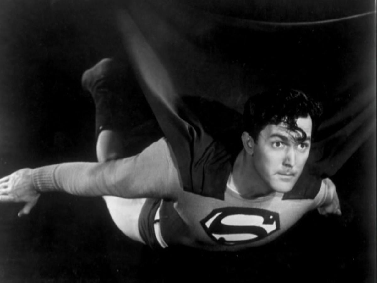 Kirk Alyn in Atom Man vs Superman (1950)
