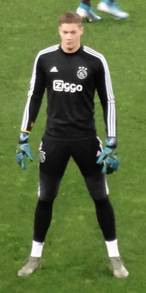 Kjell Scherpen has represented the Netherlands at the under-19 level.