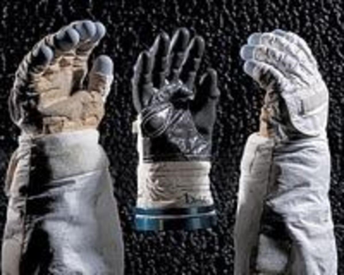 Astronaut's Gloves (Shuttle era)