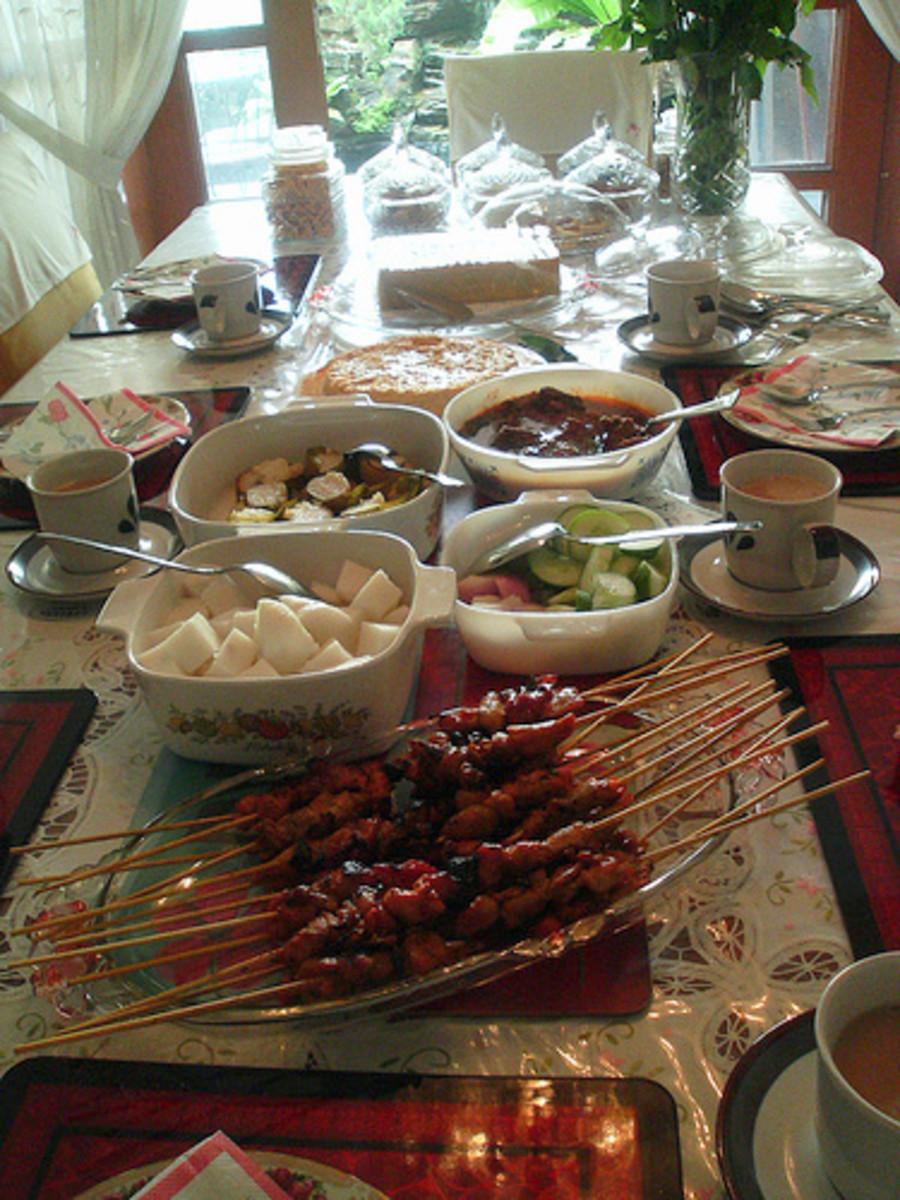 Traditional food such as satay, lemang, ketupat and rendang will be served during Hari Raya Aidil Fitri