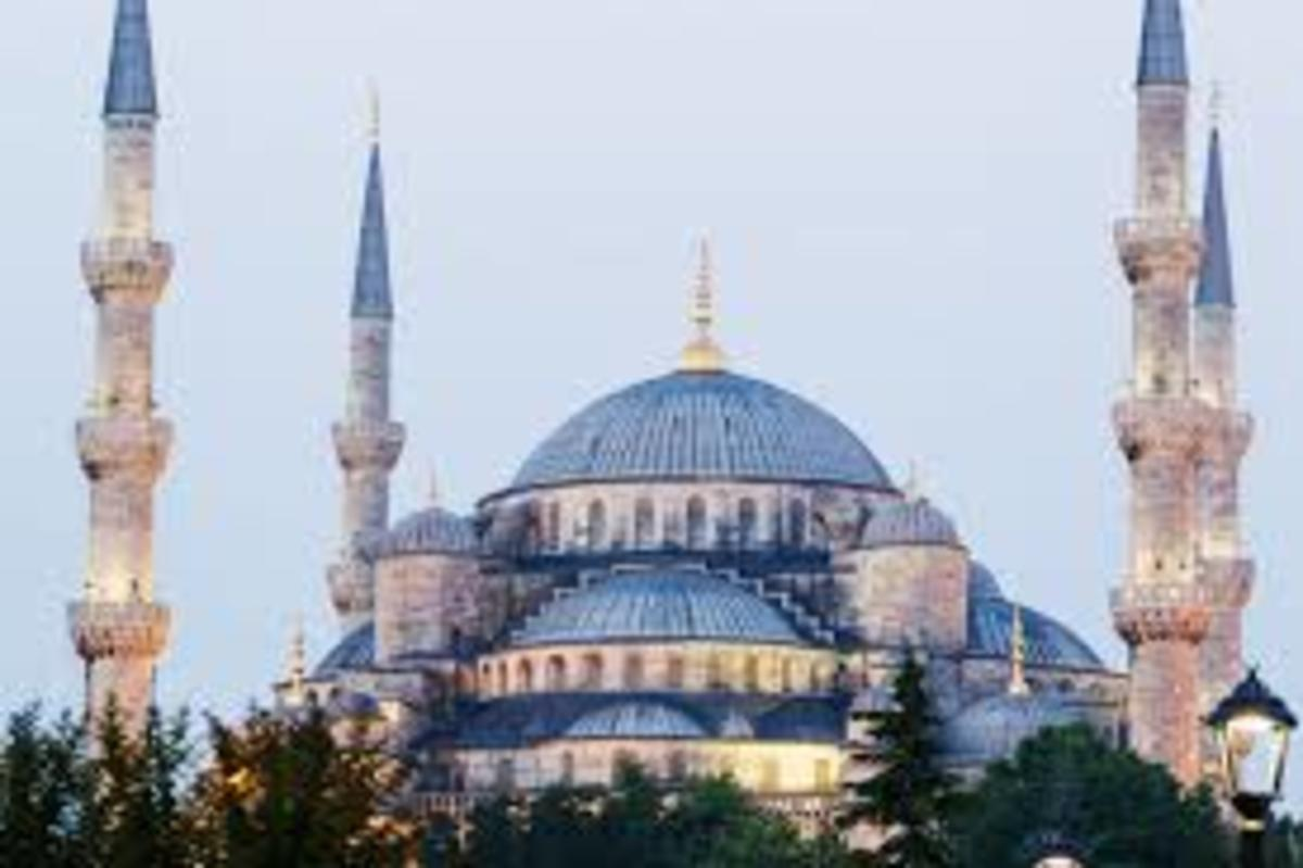 Today this place of worship or museum is known as Istanbul Blue Mosque, some people think that it was started from the Romans, but it was built from Sultan Ahmet in 1609- 1616 partly copied from Ayasofya Christian church it feature also six minarets