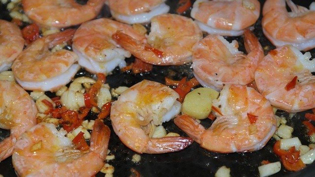 Grilled mushrooms and shrimp à la Grecque