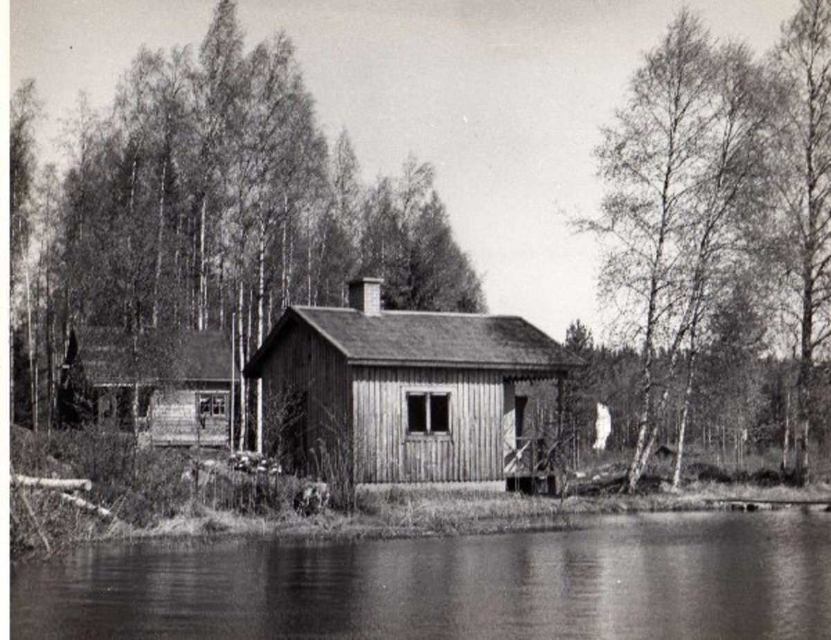 This is a picture of the sauna when Mairela was first built c1947, the house was originally a log cabin built as a summer cottage but the sauna remains much the same