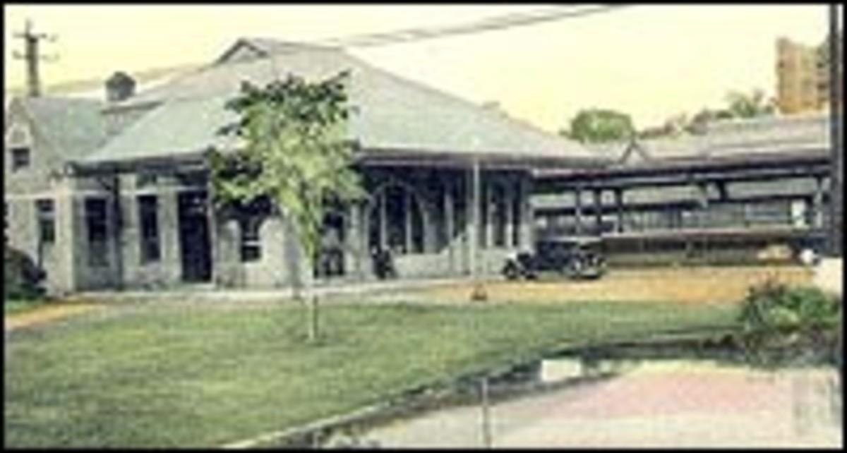 LARCHMONT TRAIN DEPOT