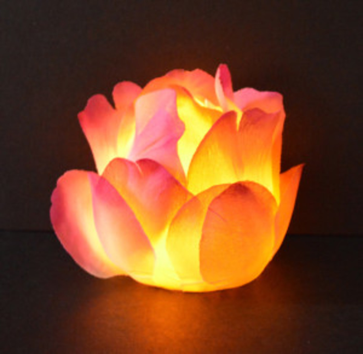 With some silk roses you can easily make some delightful rose candle votive candle holder