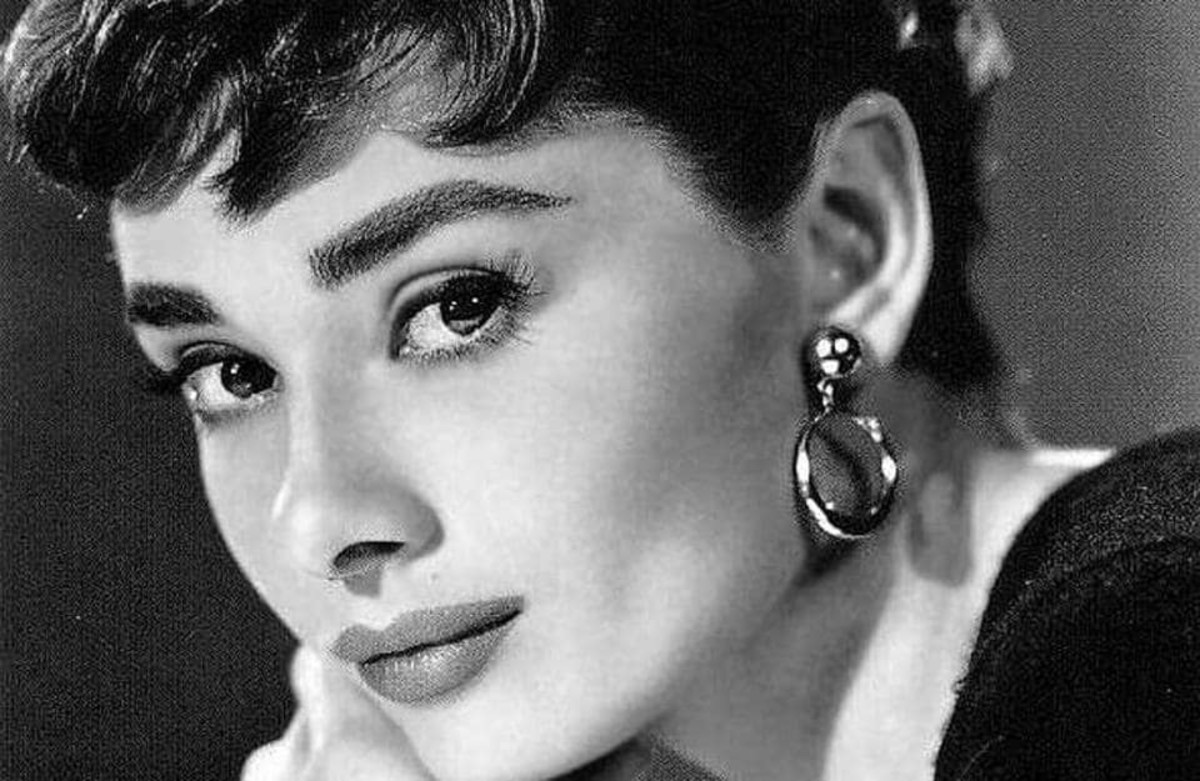 Not many know that the legendary Hollywood icon Audrey Hepburn was also a secret World War II hero who worked against the Nazis during her teenage days.