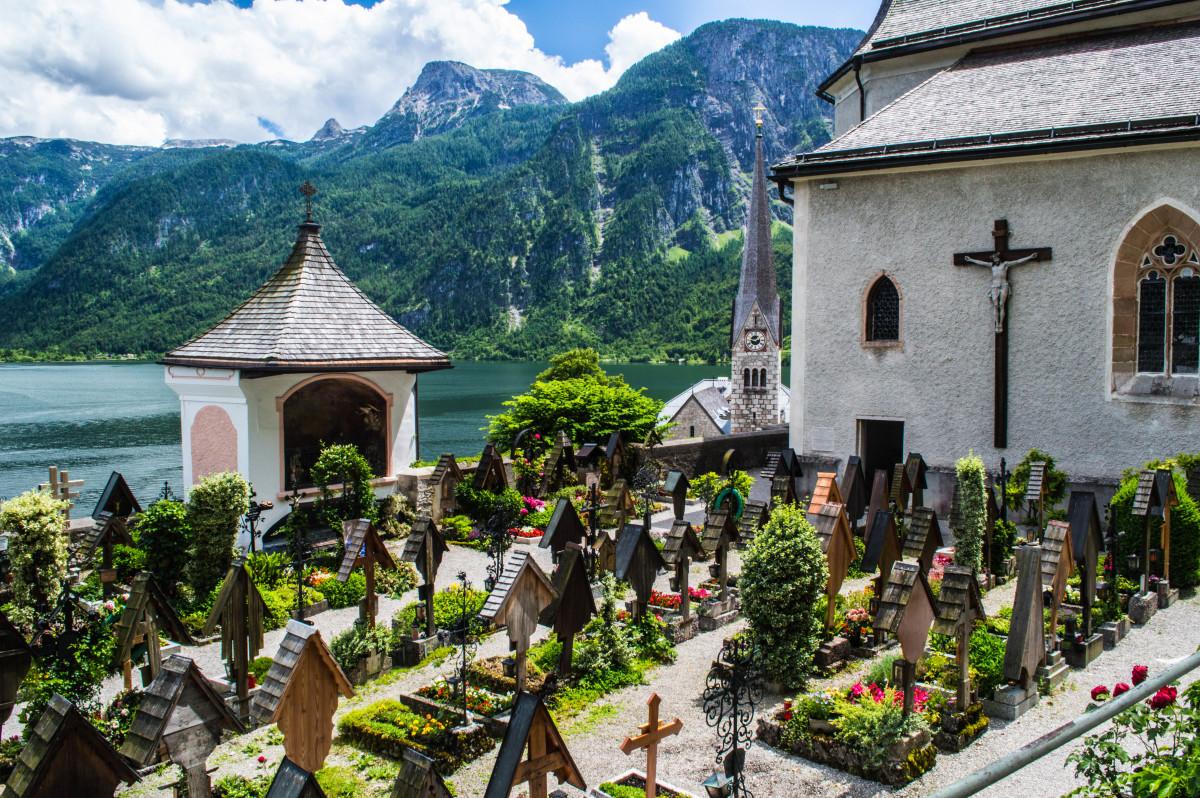 Catholic Church and burial ground in Hallstatt