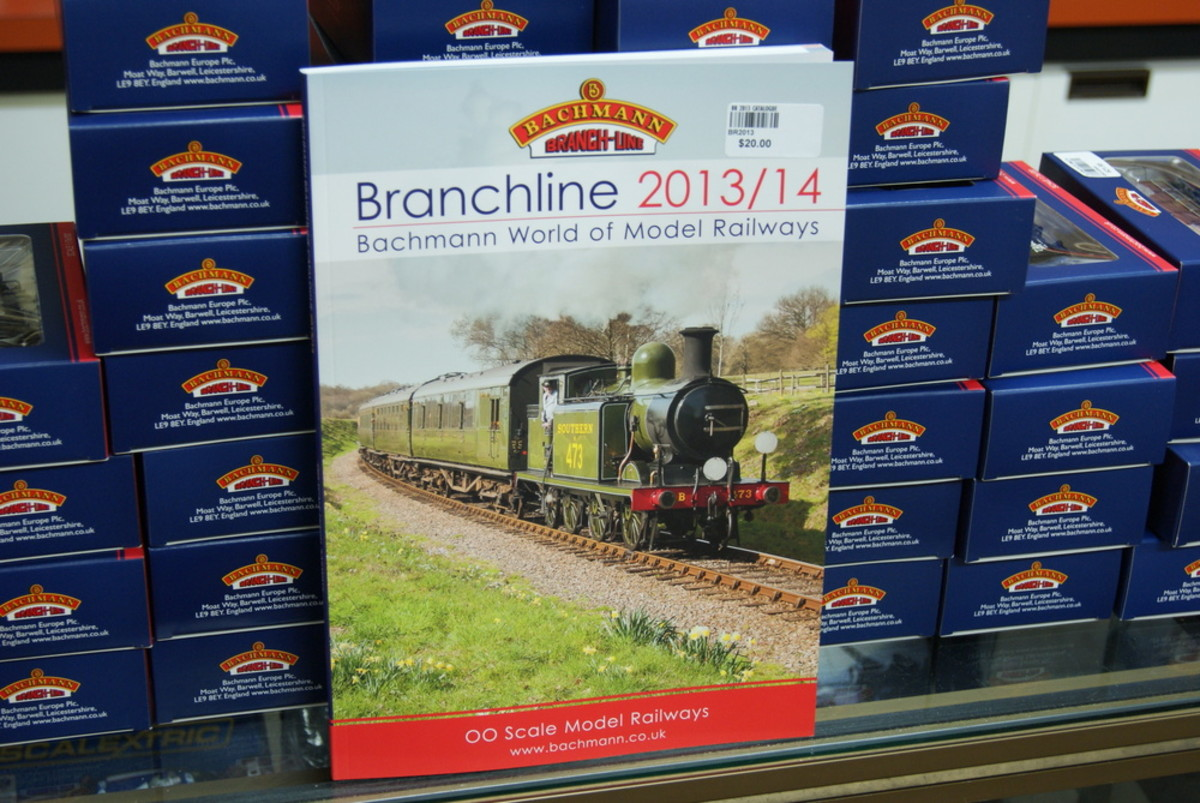 Bachmann 2013-2014 Catalogue and model boxes