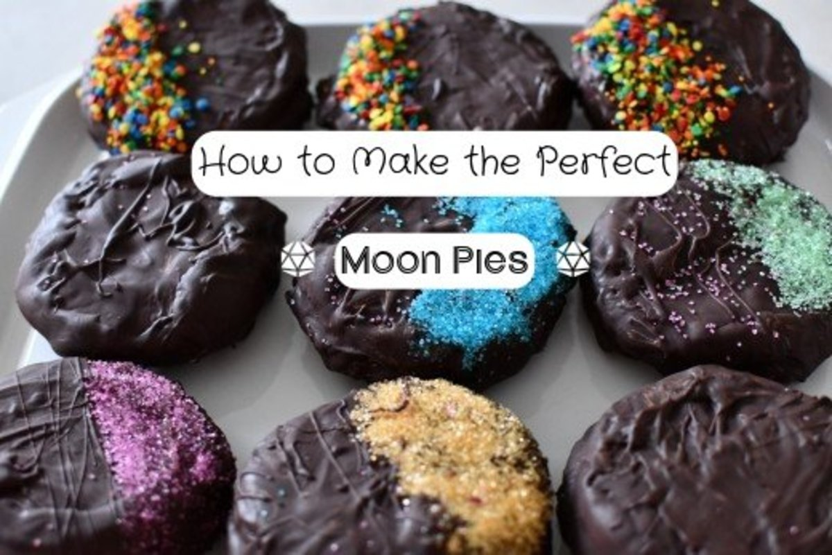 These homemade moon pies are fantastically delicious!