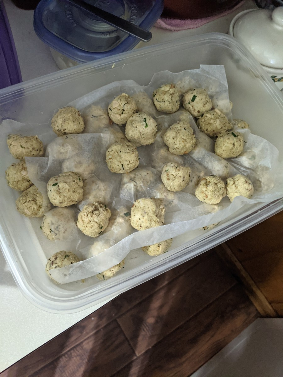 Balls waiting to be coated.