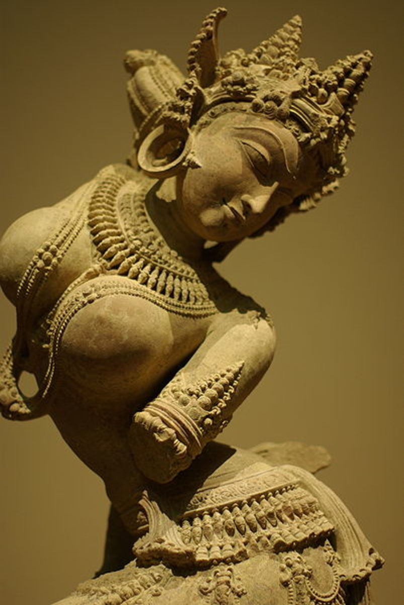 Sandstone statue of an Apsara