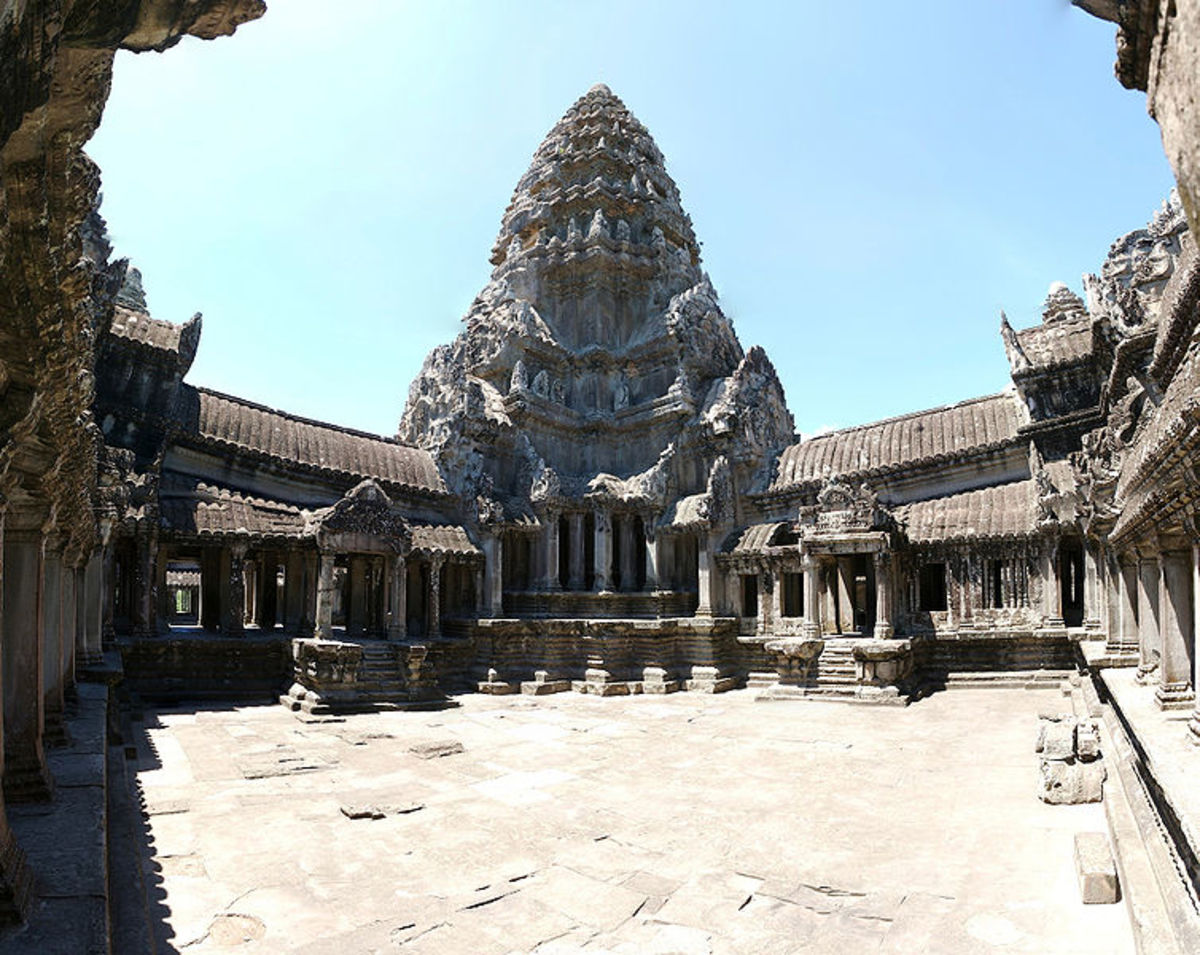 Upper gallery of Angkor Wat