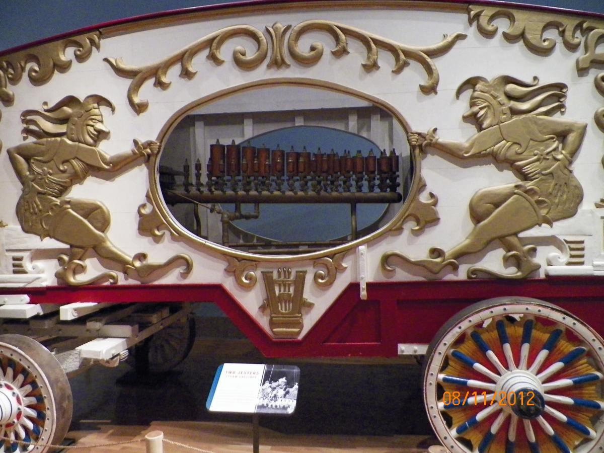 The calliope wagon.
