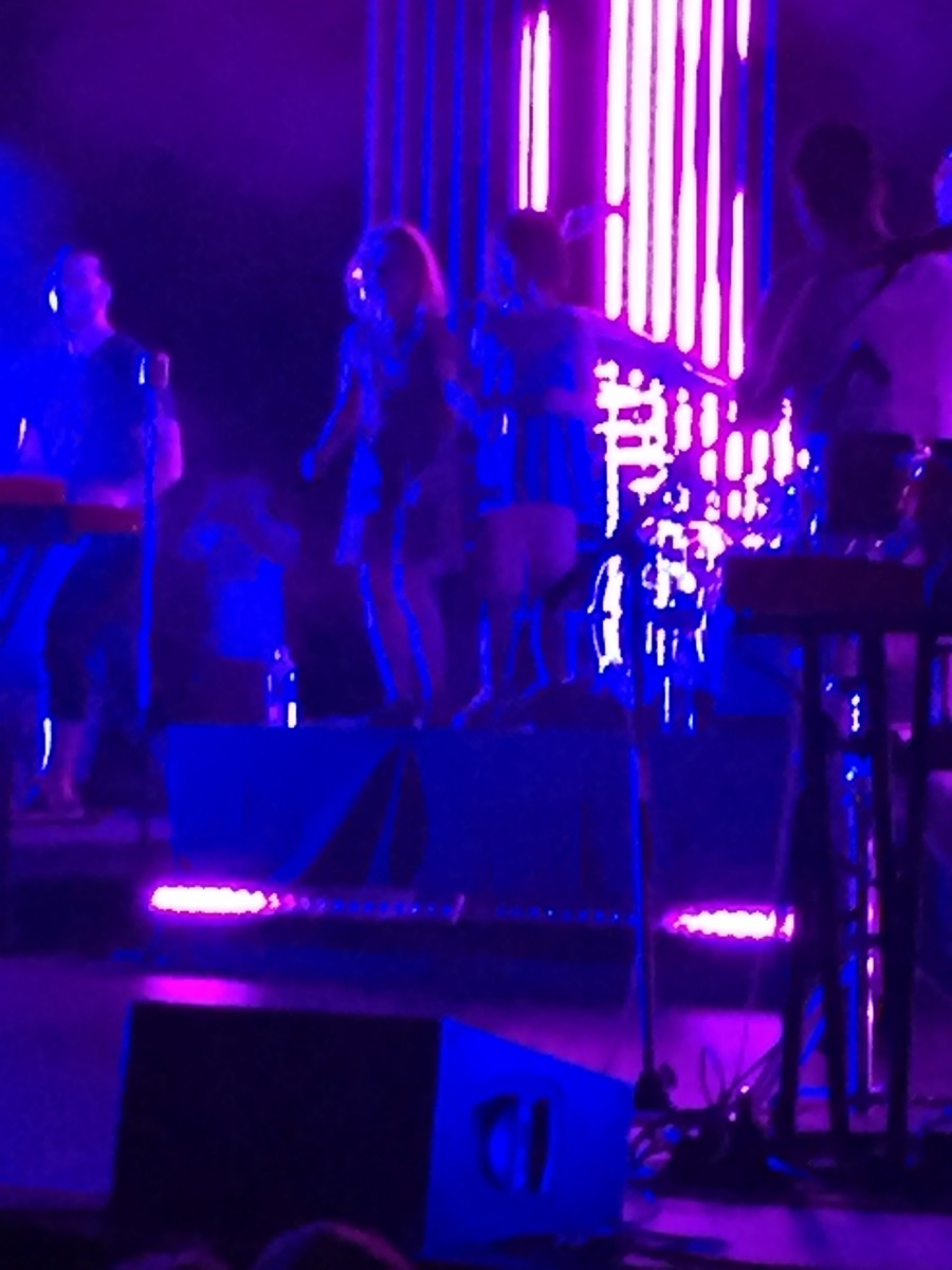 Drummer John Wicks' daughters join the stage for the encore