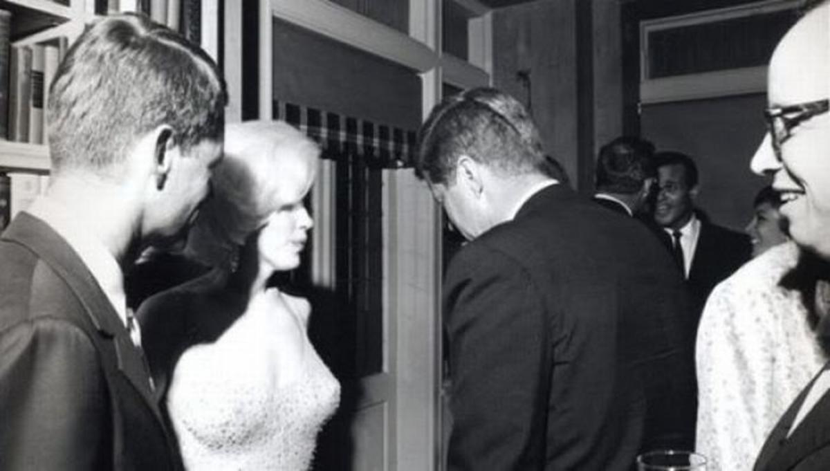 Kennedy birthday celebration (1962).
