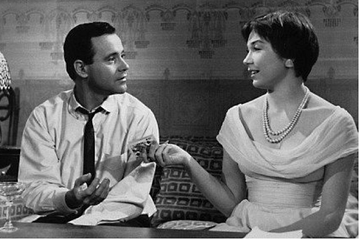 Jack Lemmon as C.C Baxter and Shirley MacLaine as Fran Kubelik make for a great couple