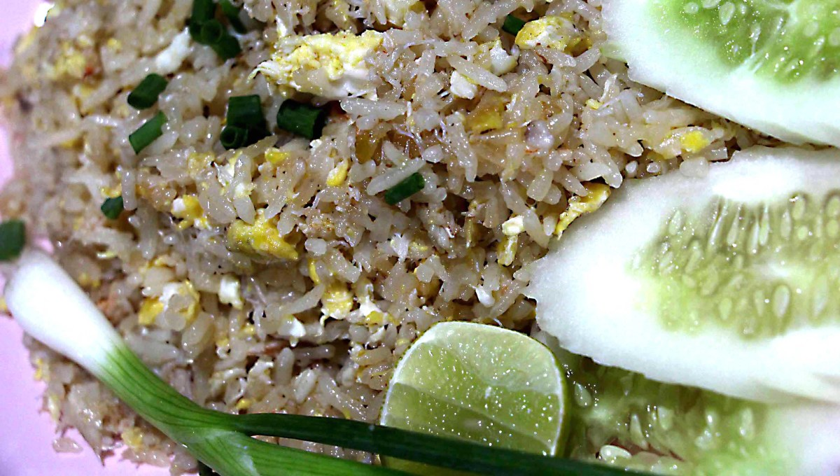 Egg rice, spring onion, cucumber and lime