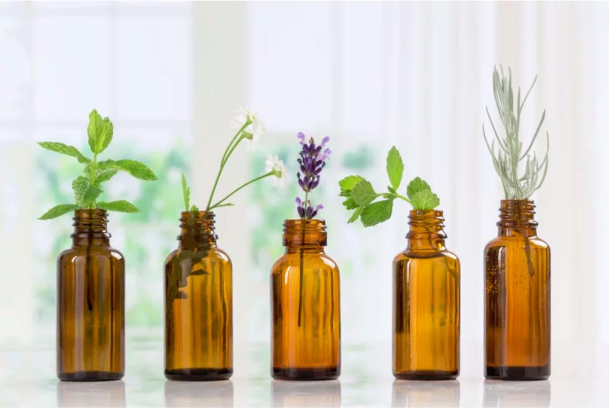 Top 15 Antiviral Essential Oils and Bonus Hand Sanitizer Recipe