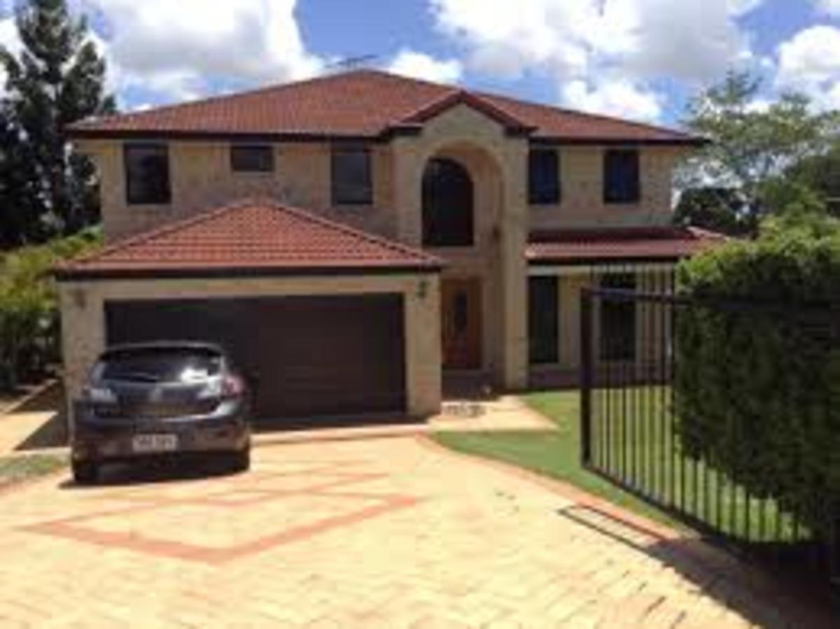 One of the modern houses in Brisbane suburbs, there are many type of houses, just click on the links in this section to see a few.