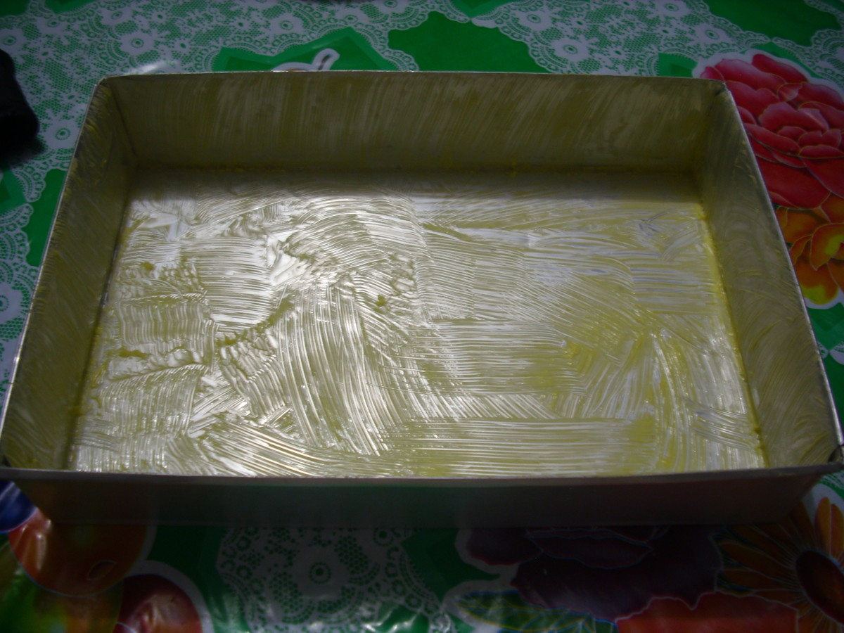Baking form spreaded with margarine.