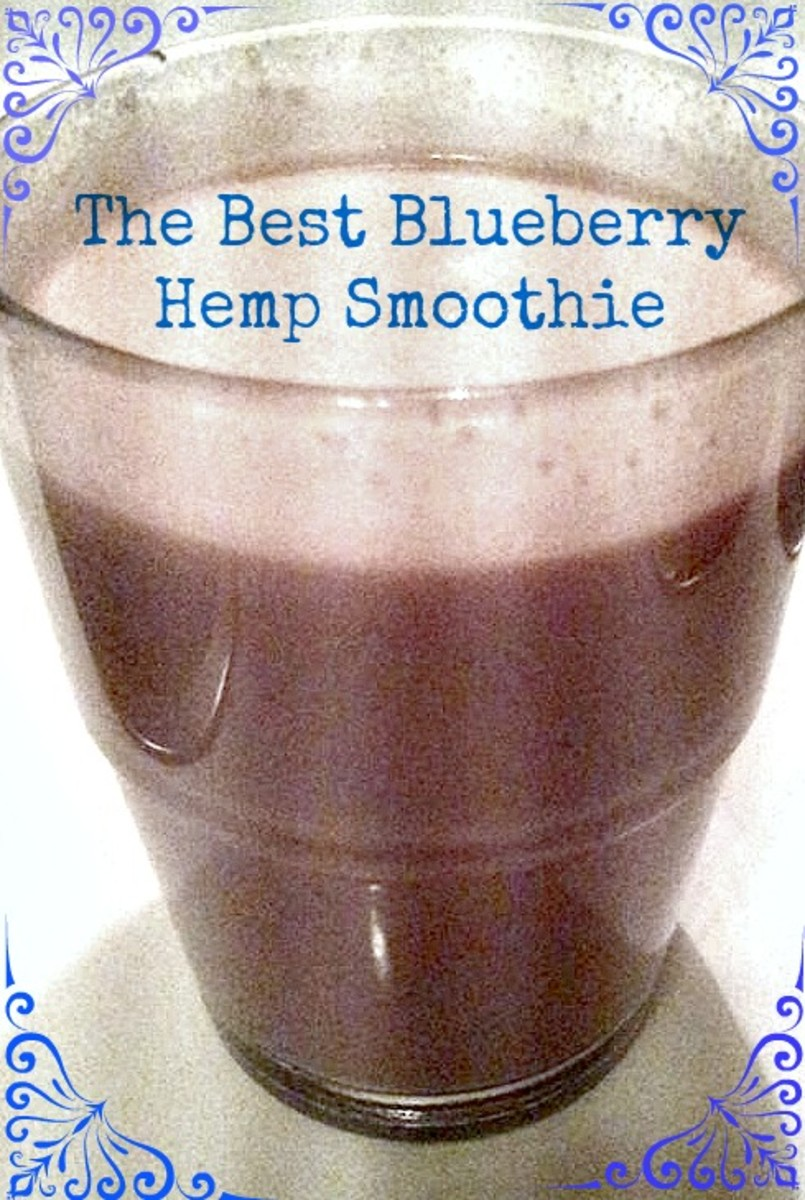 The best blueberry-hemp smoothie, the perfect breakfast!