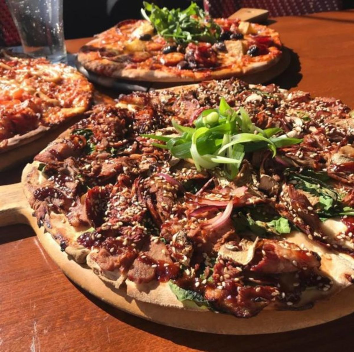10-unordinary-pizza-toppings