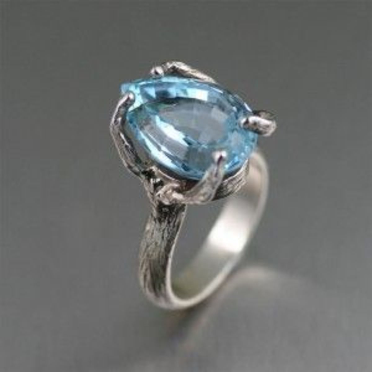 13 ct Pear Cut Blue Topaz Sterling Silver Cocktail Ring