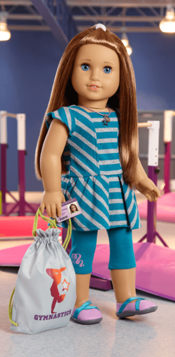 McKenna, the 2012 Girl of the Year doll, wearing her accessories