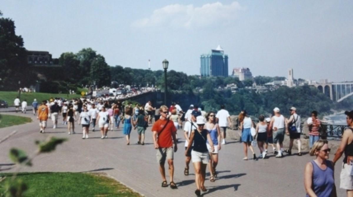 Niagara Falls Parkway in August.