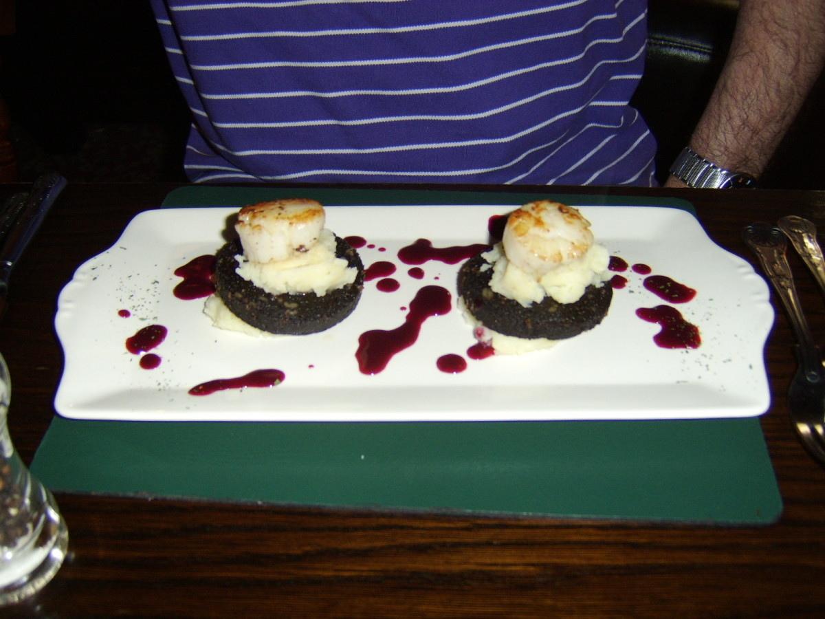 Black pudding and pan seared King scallops formed the basis of this delicious pub grub starter
