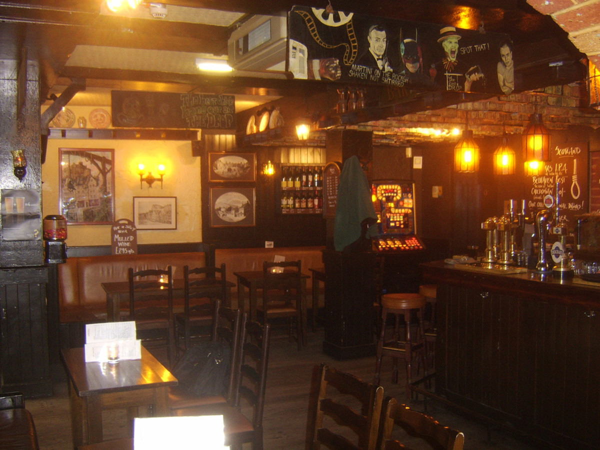 The Last Drop is a wonderful pub in Edinburgh's Old Town, where I have enjoyed pub grub and ale since my late teens - before, during and after my time spent living in Edinburgh