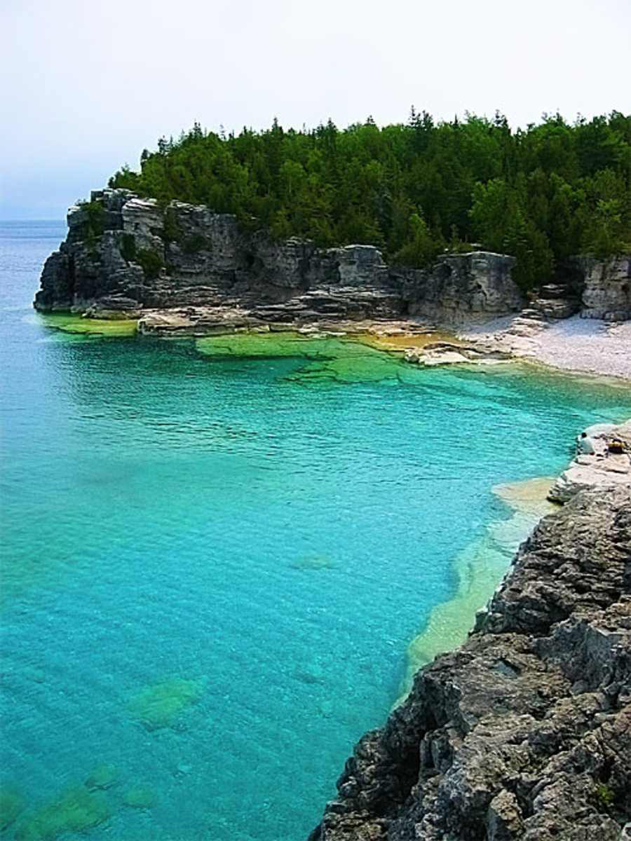 Indian Head Cove from the Bruce Trail/Photo by: Bruce Peninsula National Park, June 2007