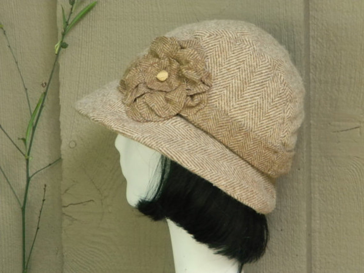 Cloche Hat -Vintage Beige Wool Herringbone- with Flower