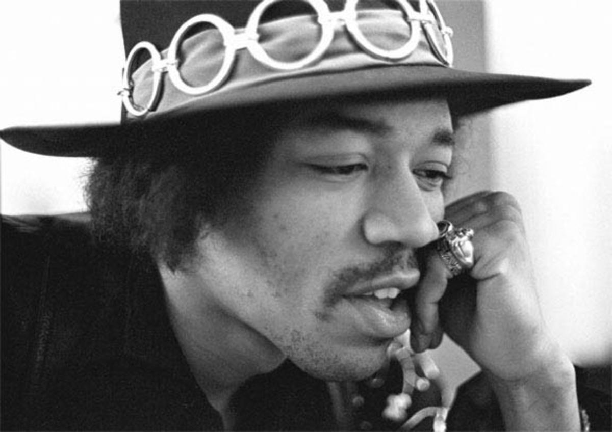 jimi-hendrix-guitar-wizard-from-neptune-and-beyond